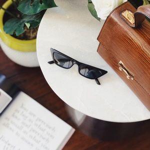 🆕Royale Matte Black Slim Cat Eye Sunnies